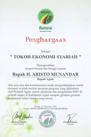 Aristo Munandar Tokoh Ekonomi Syariah1